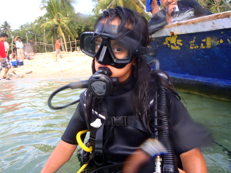 Thrill and Adventure-loving Sandaleen completes Scuba Diving Course