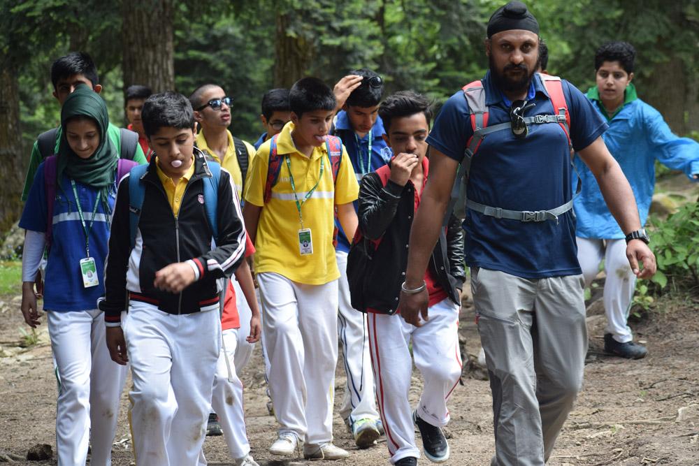 SEN Department goes trekking to Khilanmarg