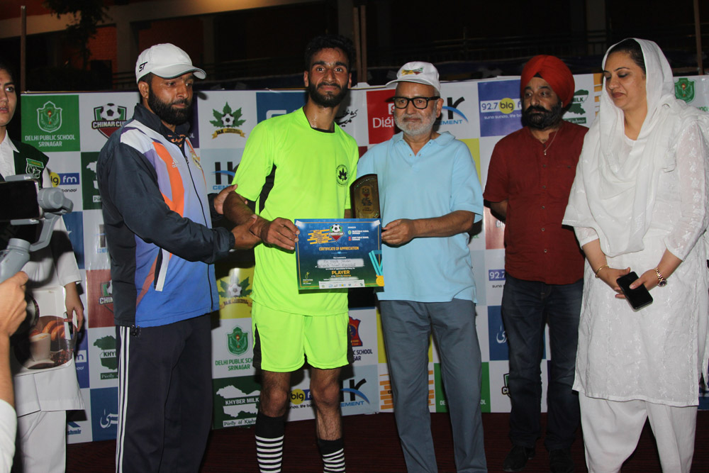 Night Football tournament 'Chinar Cup' continues