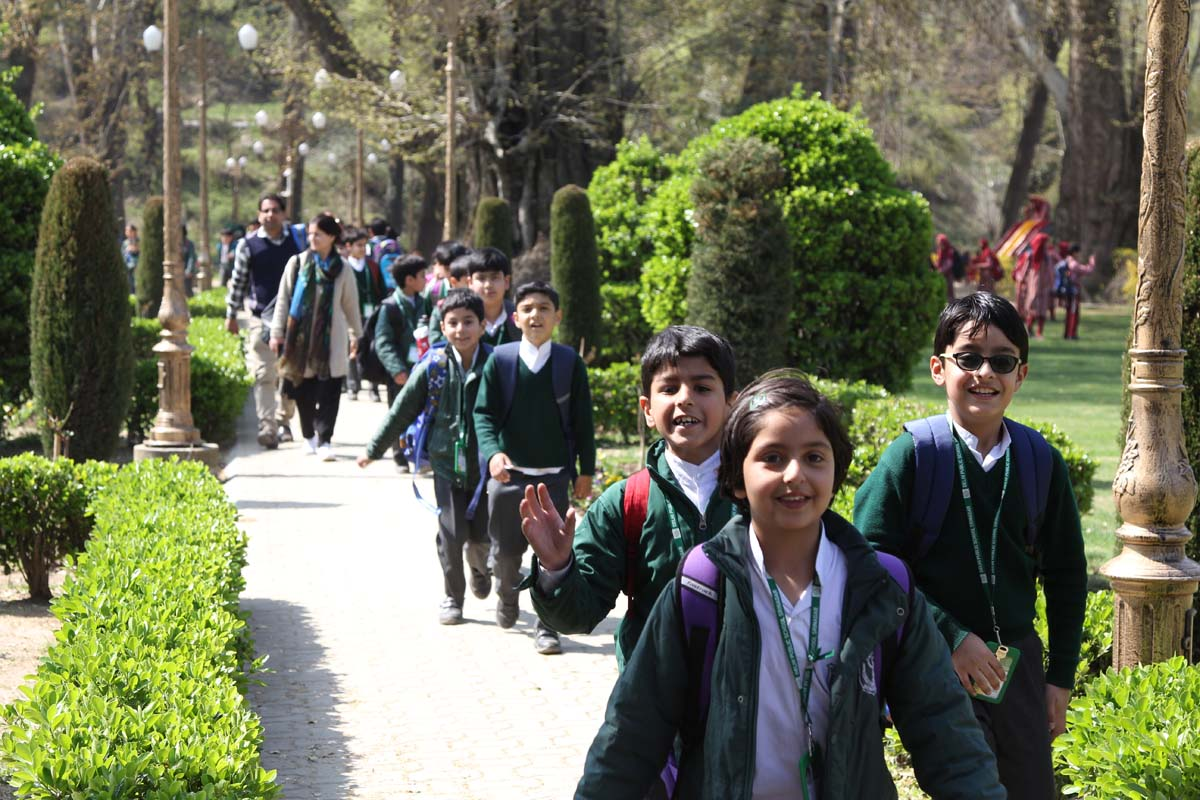 School organizes a visit to Mughal Garden at Harwan