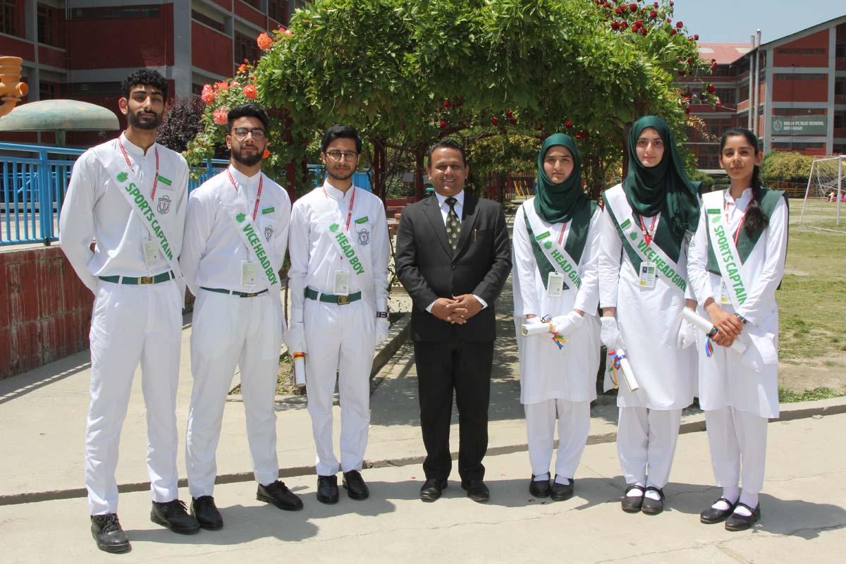 School conducts Investiture Ceremony 2019