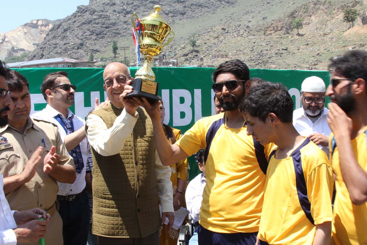 Finals of first ever blind cricket tournament held at DPS Srinagar