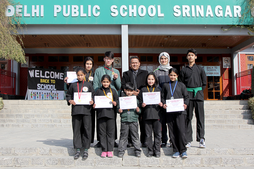 School wins seven medals in Thang Ta