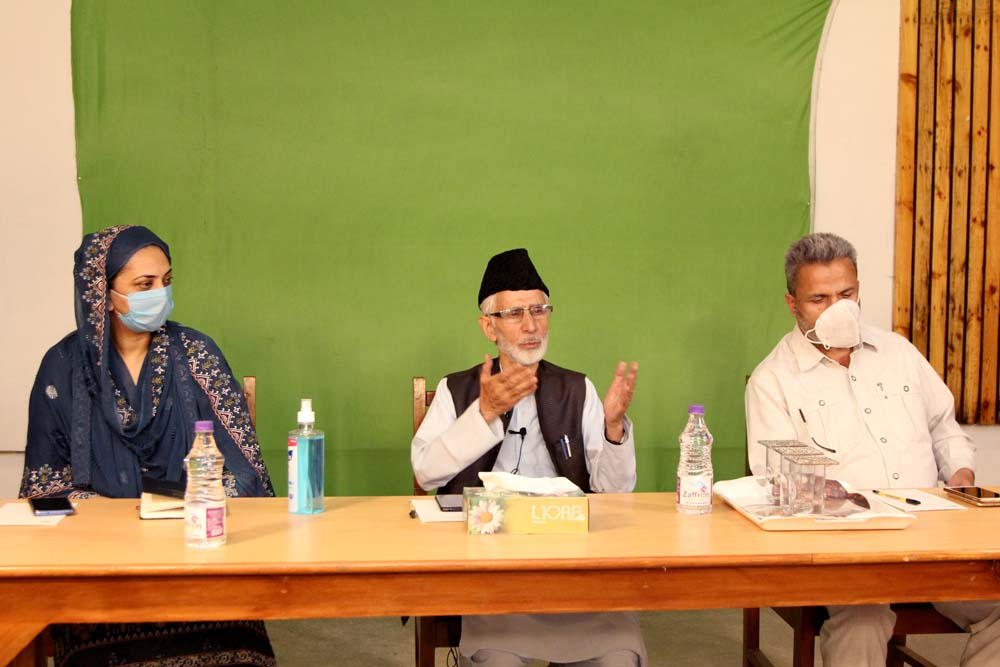 School hosts eminent poetZareef Ahmad Zareef and renowned educationist Dr. Jauhar Quddusi