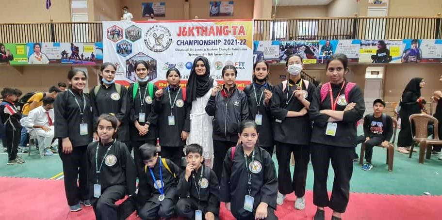 School Thang-Ta team wins 5 medals